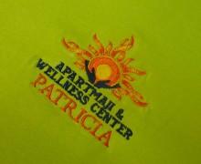 Vezenje logotipa Wellness na majice