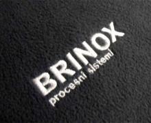 Vezenje logotipa Brinox procesni sistemi