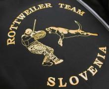 Vezenje logotipa Rottweiler team Slovenija na flis jope